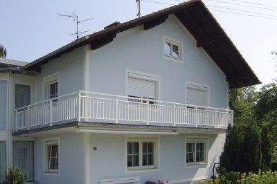 Montaż we wnęce okiennej budynku. Roleta natynkowa Alukon 45. Profilnet Tarnowskie Góry Śląsk Zabrze Gliwice Częstochowa